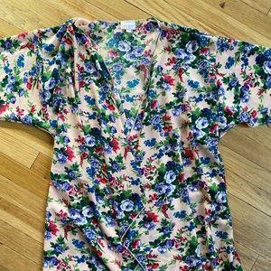 EUC LuLaRoe Shirley kimono - size S